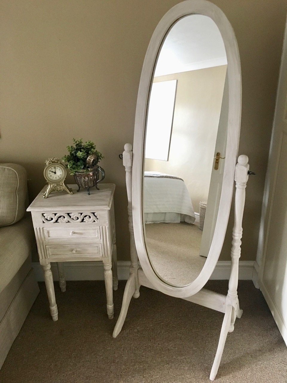 Bedside table & mirror